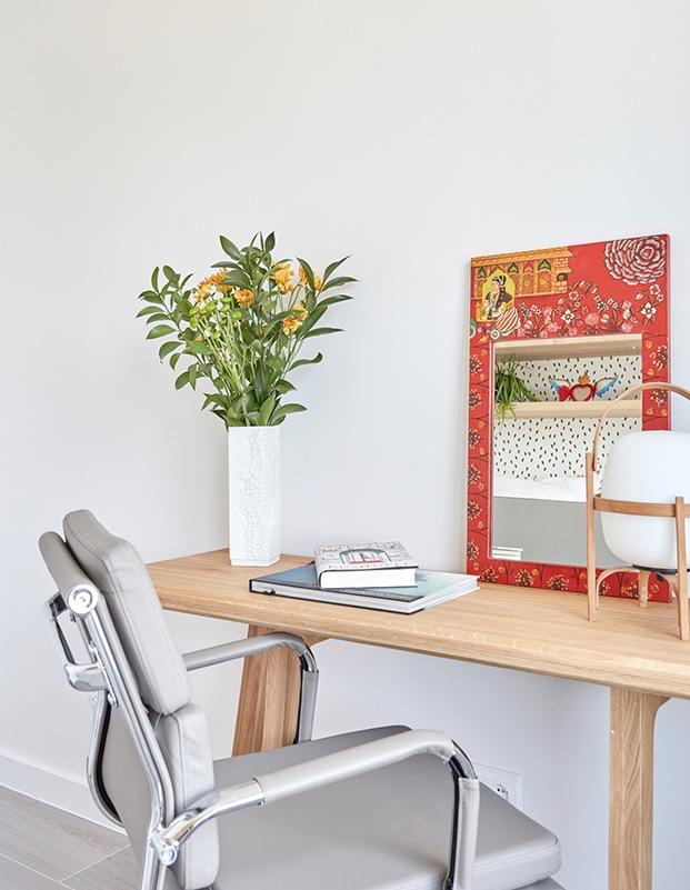 Habiación de invitados y de trabajo. El escritorio se utiliza de mesa de comedor cuando hay invitados