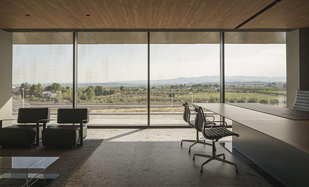 Sede Power Electronics en Llíria diseñada por Francesc Rifé