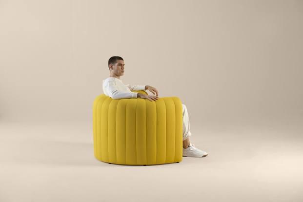 Sofá y sillón Remnant de la colección Void Matters de Sancal por Note Design Studio