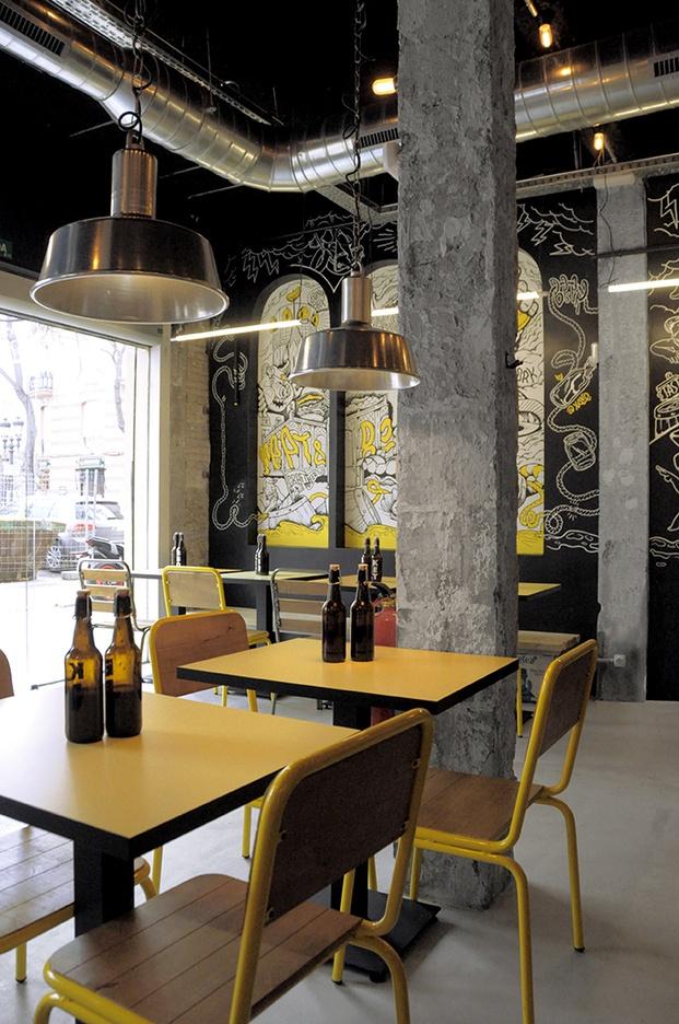 Restaurante Chivuo's en Valencia de Bodegón Cabinet.