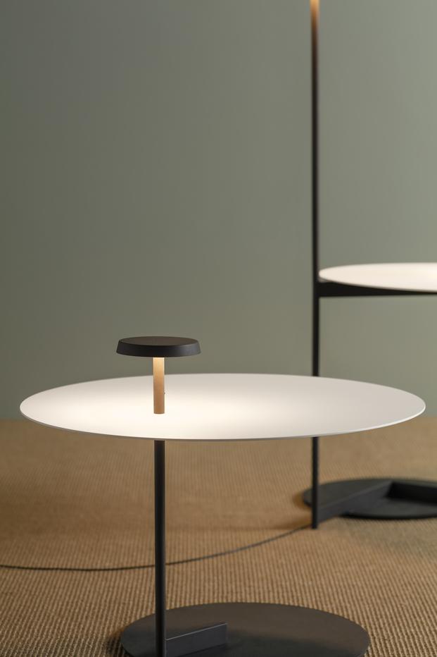 Ichiro Iwasaki crea una lámpara ultraplana para Vibia.