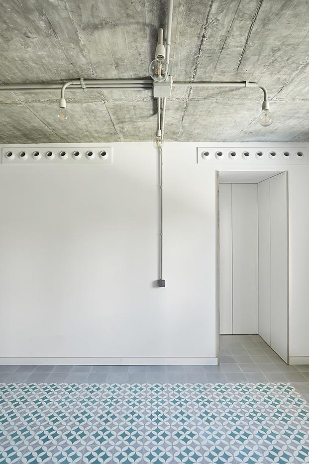 La Casa Butanta de Mendes Da Rocha inspira un apartamento en Madrid.