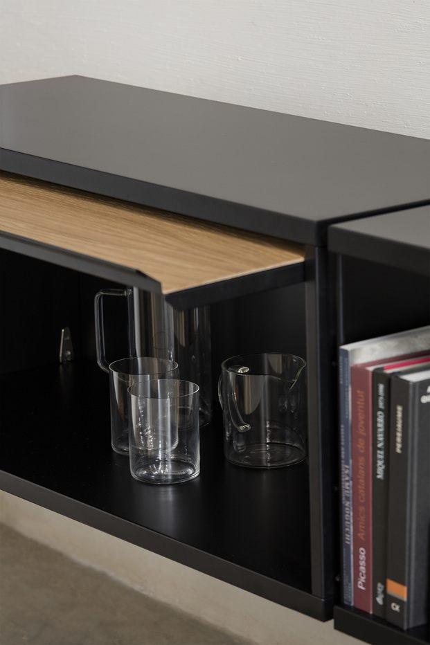 estantería Tria shelving system de Mobles 114  en negro