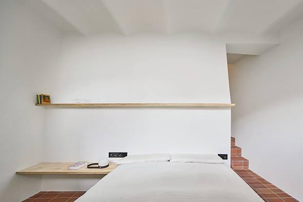 Los muebles se reducen al mínimo y están realizados a medida