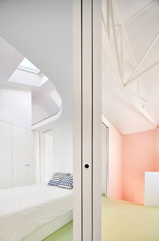 Casa Witiza en Carabanchel (Madrid), de Beatriz Alés Atelier. Interiorismo rosa