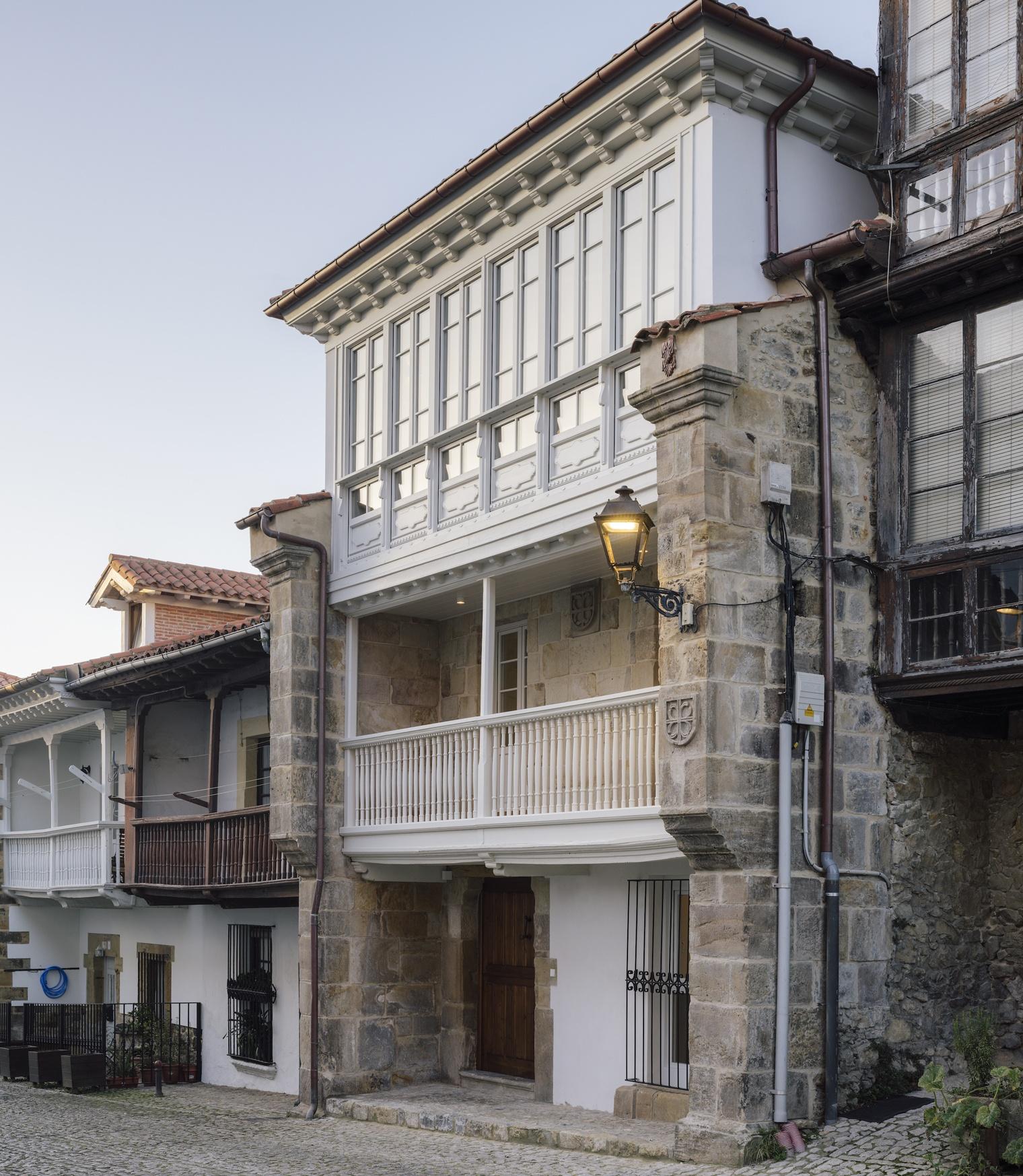 Jacobo García Germán. Comillas. Cantabria. Reforma antigua villa señorial.