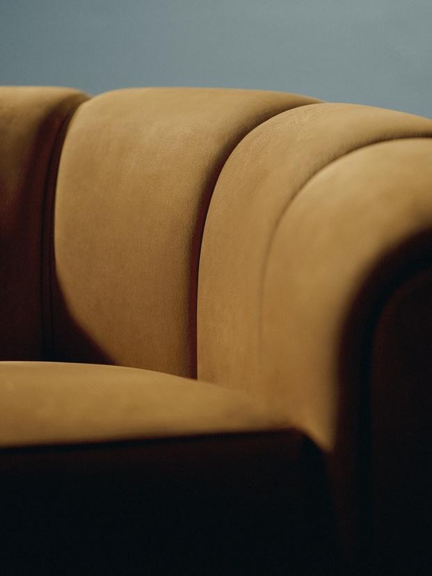 Gubi Novedades mobiliario 2021 Sillon Lounge Lampara Mesa