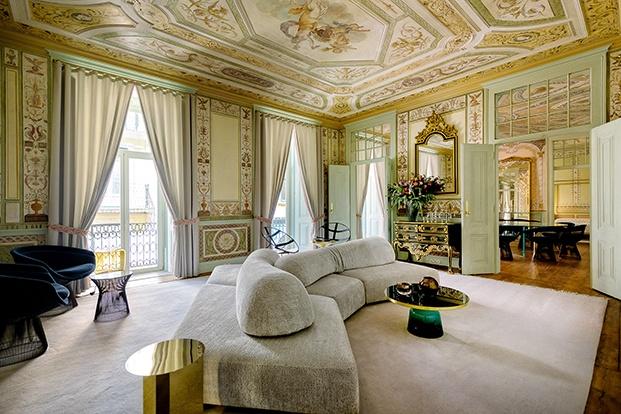 Muebles de diseño en un palacio del XVII en Lisboa