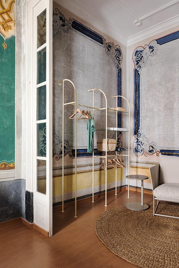Pinturas del XIX y mobiliario contemporáneo en la Casa Clascar