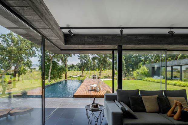 Casa dos Sobreiros, arquitectura en plena fusión con la naturaleza.