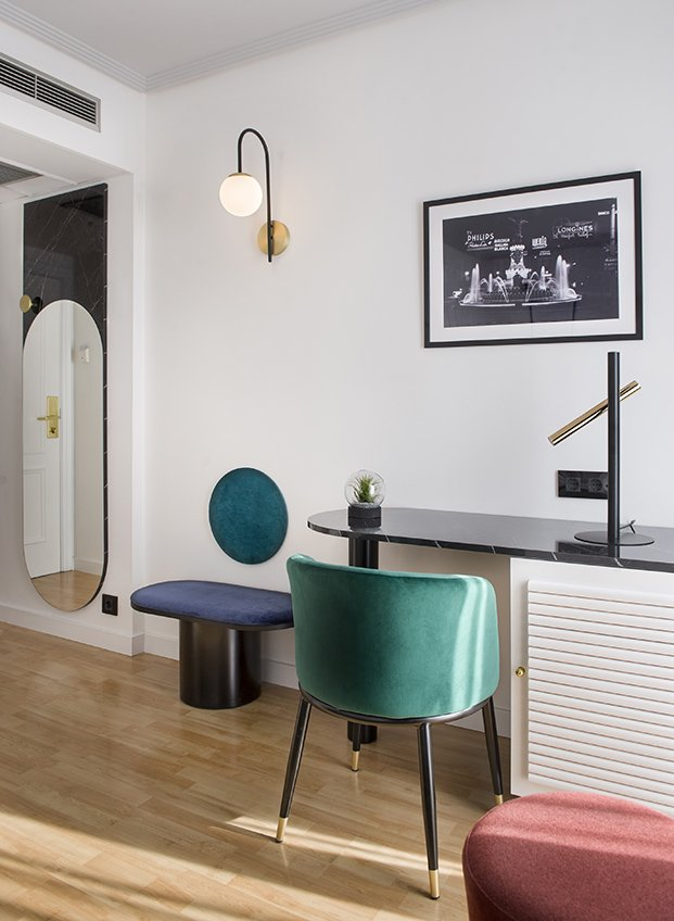 Todo el mobiliario, excepto las sillas, ha sido proyectado por el estudio Alfaro-Manrique