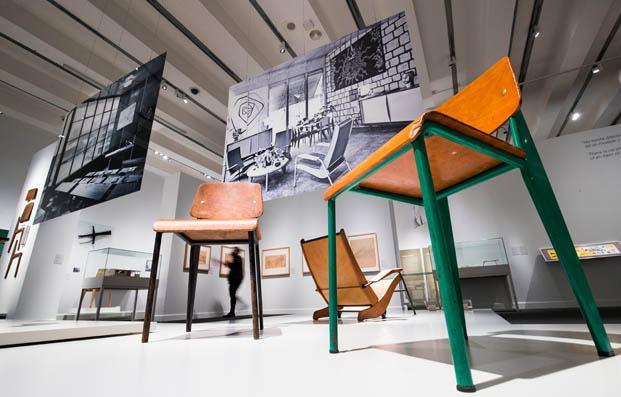 El Universo de Jean Prouvé. Arquitectura / Industria / Mobiliario. Exposición de Jean Prouvé en Caixaforum Madrid hasta el 13 de junio 2021.