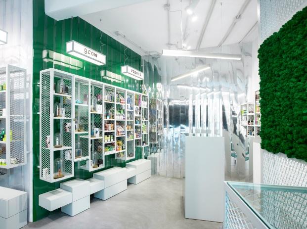 Tienda Mari del Carmen de Isho Design. Estanco barrio de El Carmen Valencia. Color verde.