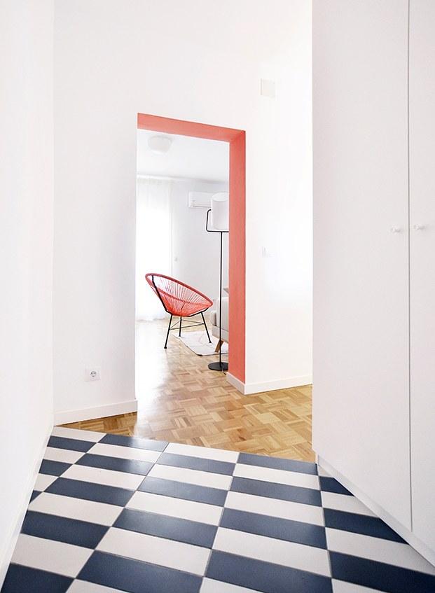Vista desde la entrada del salón y el pasillo que conduce a las habitacioens