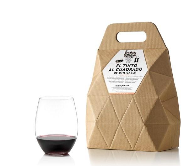 Nutcreatives quiso eliminar los prejuicios sobre el embalaje del vino con un peculiar 'bag in box' para Viajes de un catador.