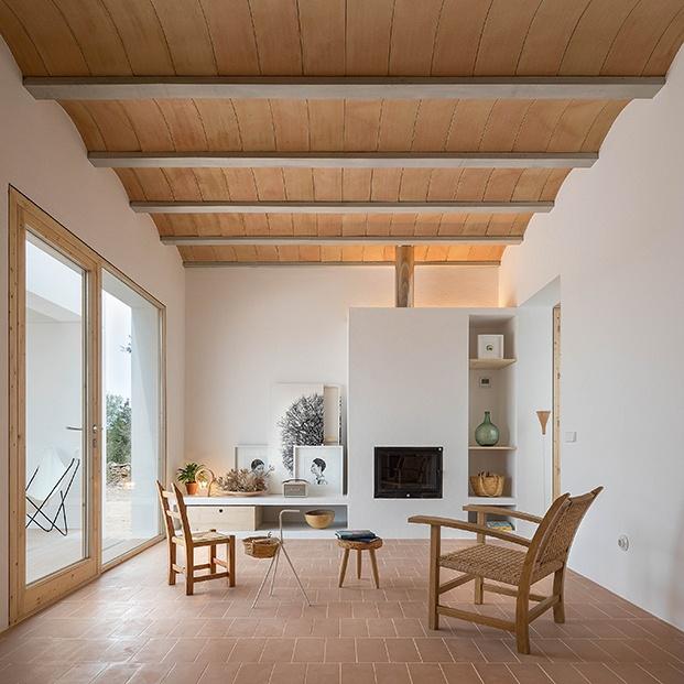 Es Pou, una pequeña casa de campo  muy actual en Formentera. Marià Castelló
