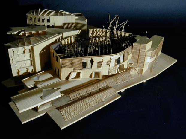 Homenaje a Enric Miralles. 20 años de su muerte.   Maqueta Nuevo Parlamento de Escocia en Edimburgo  © Fundació Enric Miralles
