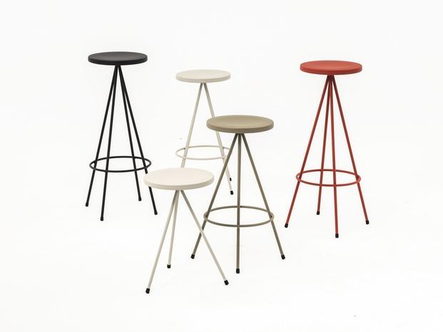 El taburete Nuta de Mobles 114 incorpora nuevos colores