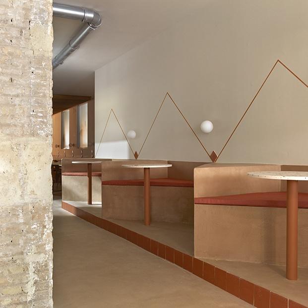 El color terracota baña el nuevo restaurante BeGreen en Valencia