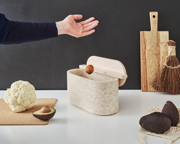 Caja contenedor Biowaste Box de Andreu Carulla para Niimaar. Reciclaje residuos orgánicos
