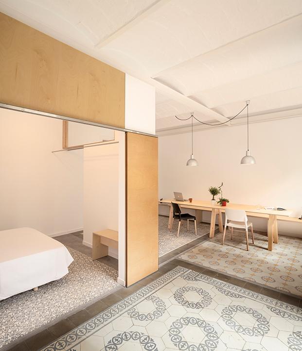 Vista de la zona de estar, el comedor y el dormitorio todos conectados