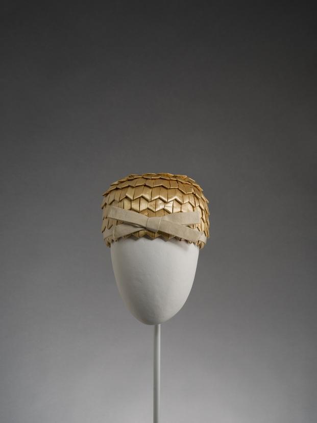 Exposición Balenciaga. La elegancia del sombrero. Museu del Disseny Barcelona