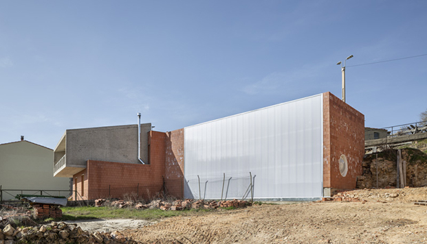 Casa en Burgos. Huerta del Rey. arquitectura contemporánea integrada en el entorno rural. Estudio Mecanismo