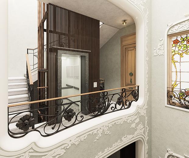 Detalle de las vidrieras emplomadas modernistas y las cenefas decoradas de una de las plantas
