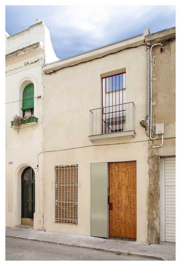 Blauhaus casa biopasiva en Sabadell entre medianeras