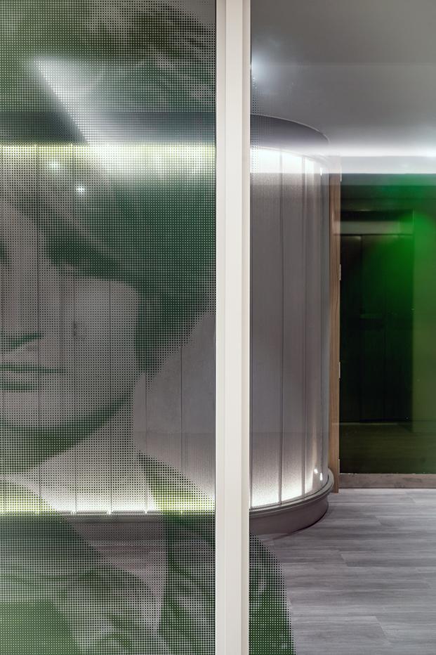 El verde otro de los colores de la bandera italiana, presente en alguna de las salas ilustrada con personajes famosos