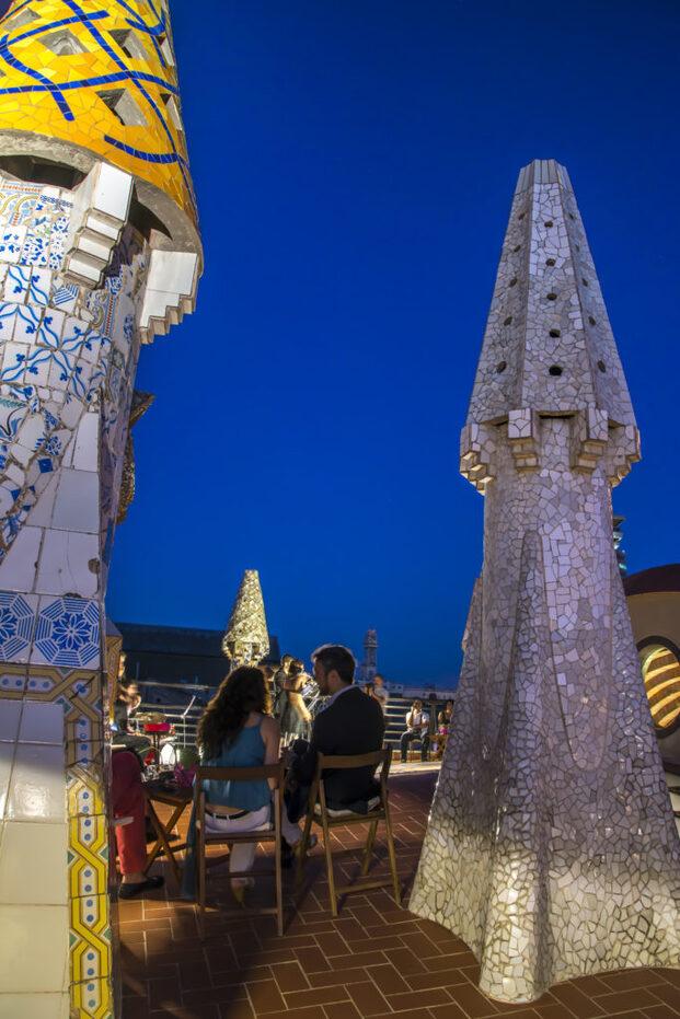 5 edificios míticos de Barcelona que ofrecen experiencias únicas. Conciertos azoteas Gaudí. Casa Batlló, la Pedrera, Palau Güell.