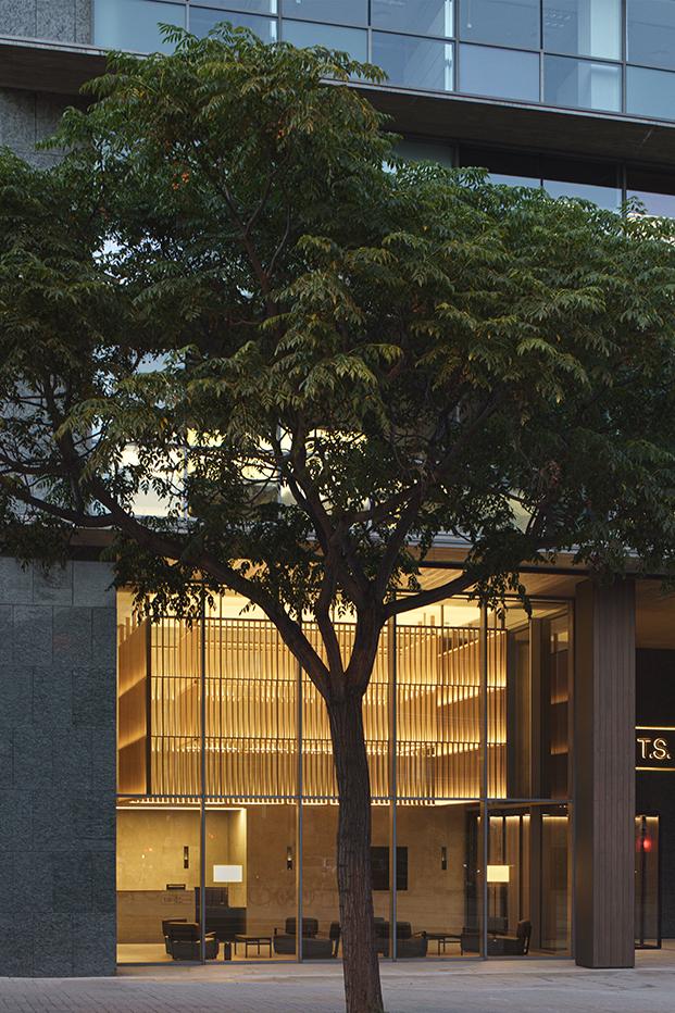 Fachada de los edificios Torrres Sarriá modernizados por Francesc Rife