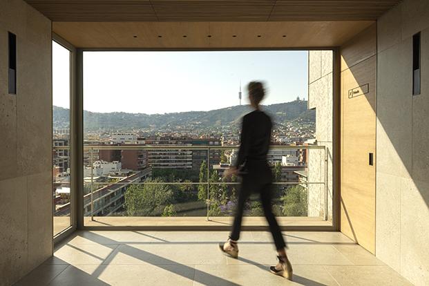 Otra de las zonas actualizada con vista a la ciudad de Barcelona