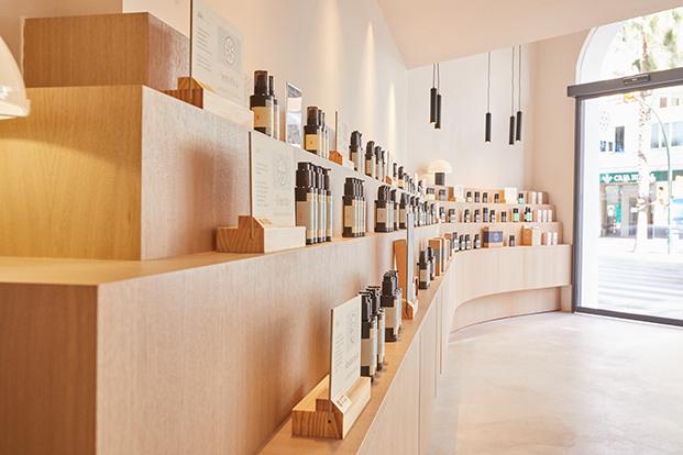 Salon Store Secretos del Agua, Málaga. Interiorismo Carolina Gual