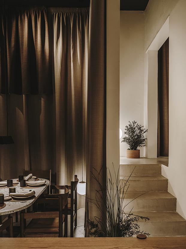 Restaurante NORMAL en Girona diseñado por Andreu Carulla para los hermanos Roca