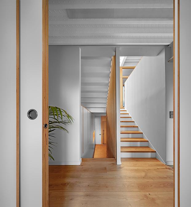 Sau Taller d'Arquitectura reforma casa Girona con mucha luz y altura
